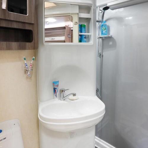Nuevo ES Bathroom