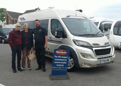 Mr and Mrs Roberts Collect Kemerton XL