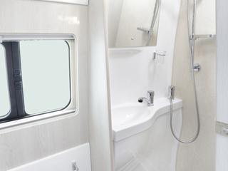 Warwick XL Bathroom
