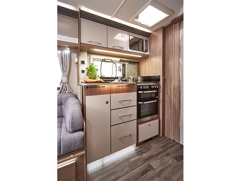 View the COACHMAN LASER 665