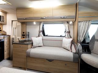 Majestic 115 Lounge Settee