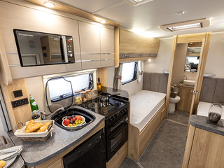 Majestic 185 Kitchen and Rear Bed