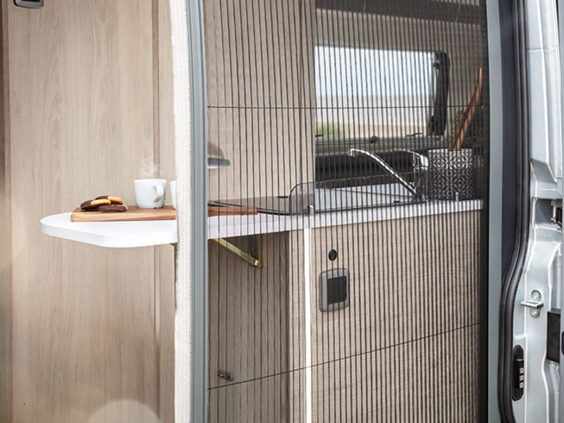 View the AUTO-TRAIL TRIBUTE COMPACT 670
