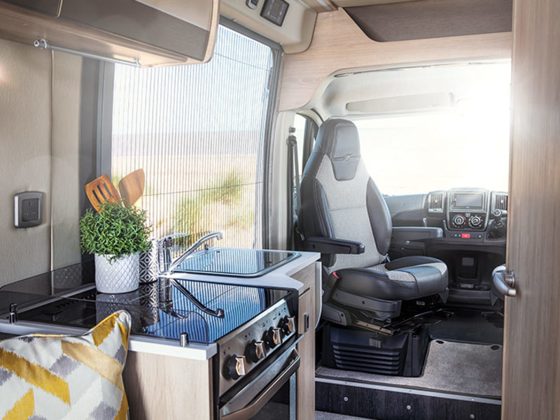 View the AUTO-TRAIL TRIBUTE COMPACT 660