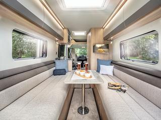 V Line 610SE Rear Lounge