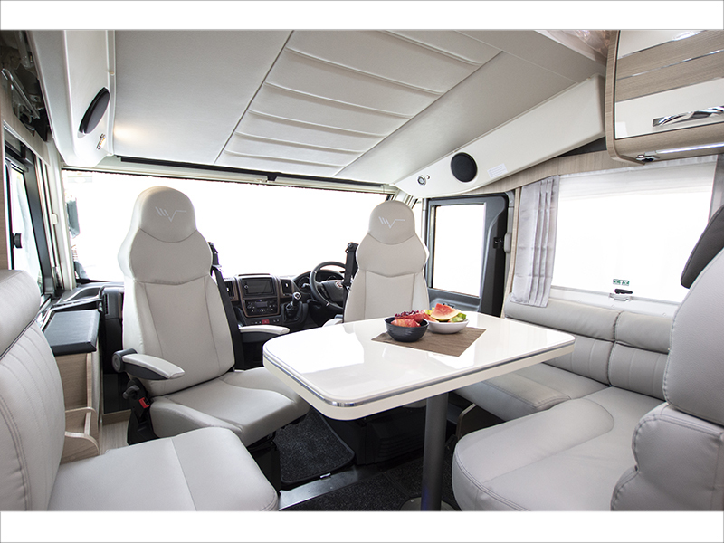 View the MOBILVETTA TEKNO LINE K.YACHT 80