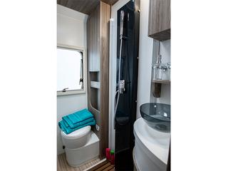 Primero 331 Bathroom