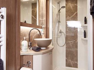 Laser Xcel 875 Bathroom