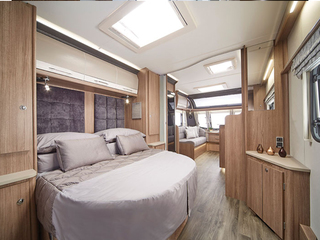875 bedroom