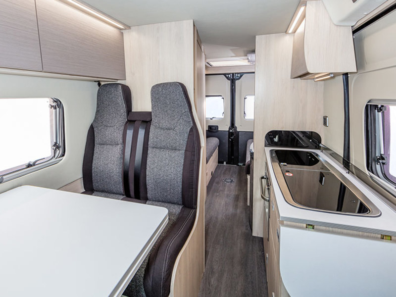 View the AUTO-TRAIL EXPEDITION 67