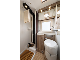 Mileo 243 Bathroom