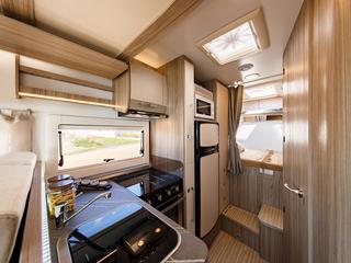 Mileo 243 Kitchen & Bed