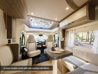 Mileo 282 Front Lounge