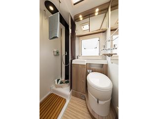 Tessoro 413 Washroom