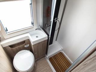 Tessoro 481 Bathroom