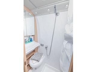 V-Line 540SE Washroom