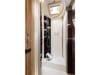Mileo 294 Shower