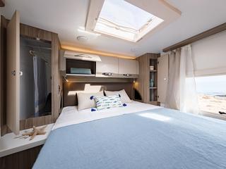Mileo 294 Island Bed