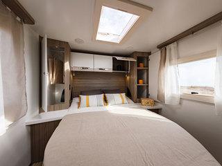 Tessoro 494 Island Bed