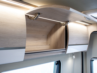 Benivan 122 Overhead lockers