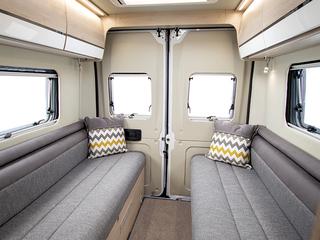 Benivan 122 Rear twin bench lounge