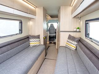 Benivan 122 Rear lounge