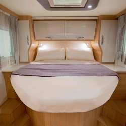 Fusion 367 Island Bed