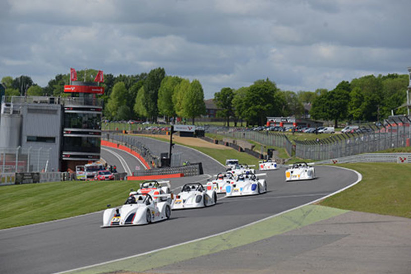 Rob ellice leads sr1 cup race one