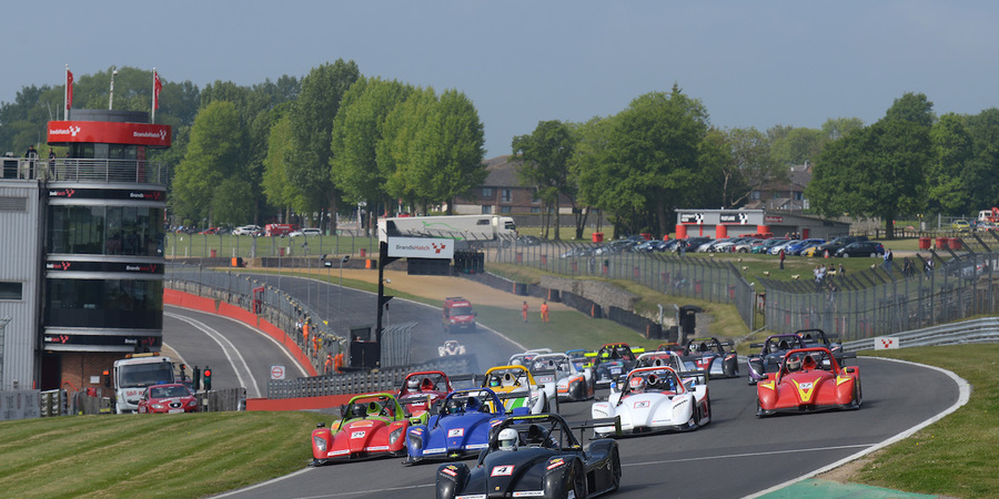 Brands hatch gp race 2 start web