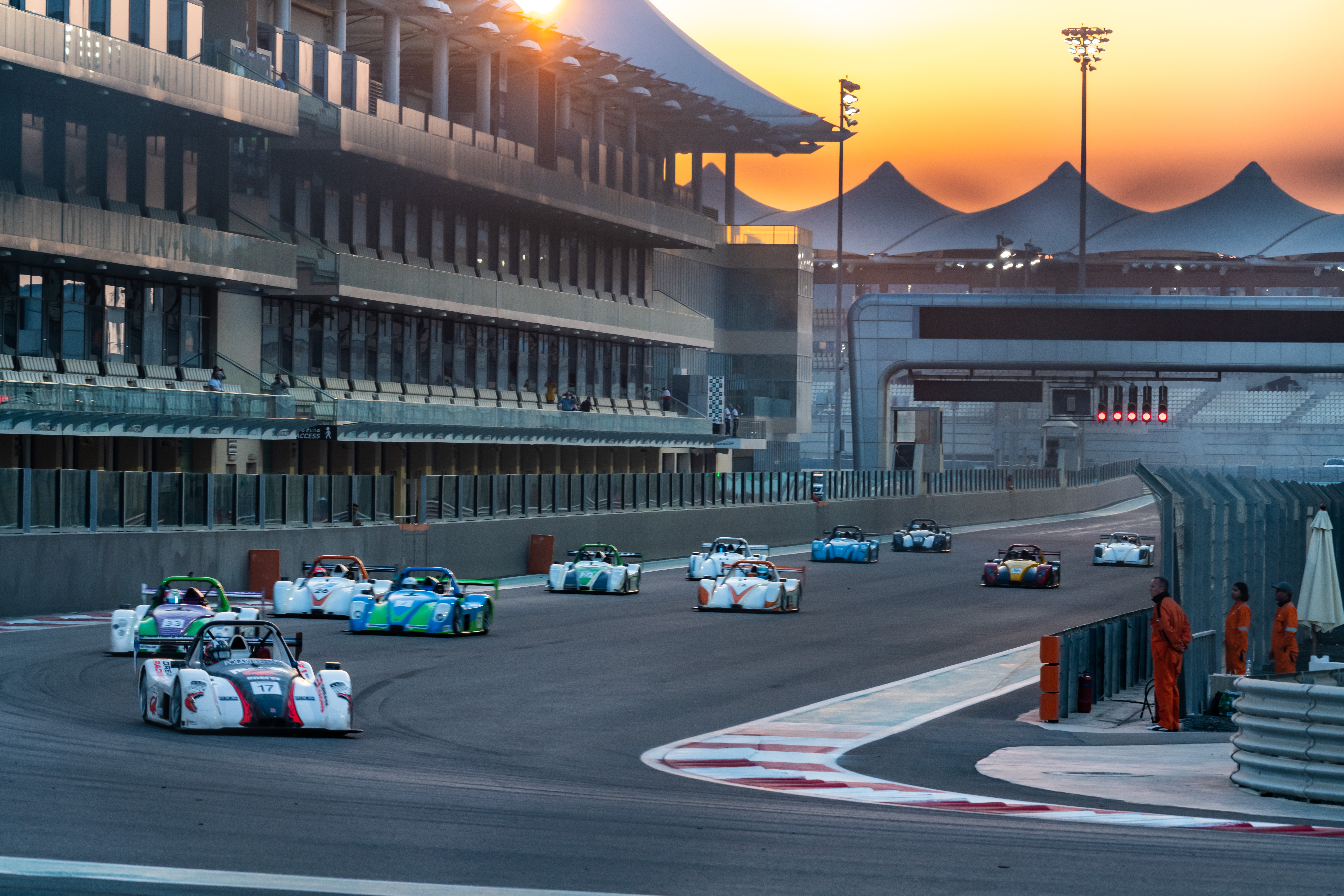 2018/19 Gulf Radical Cup Off To A Flying Start At Yas Marina
