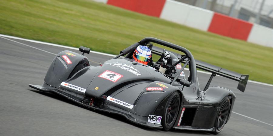 Dom jackson race3 thumbs up web
