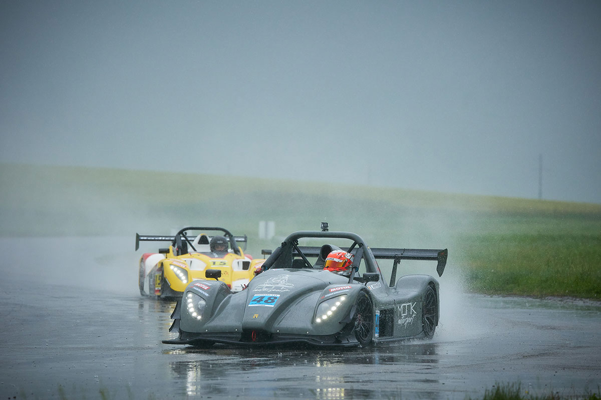 Romania: A wet track set the scene at MotorPark Romania for the Radical Romanian Cup - Round 3