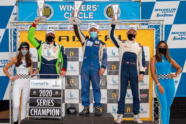 Indy Al Miller (L) won the PRO 1500 championship, Steve Jenks (C) won the final race of 2020