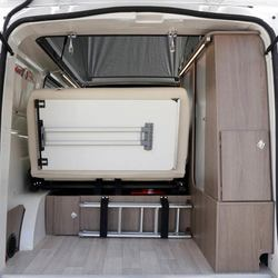 R499 Rear luggage space